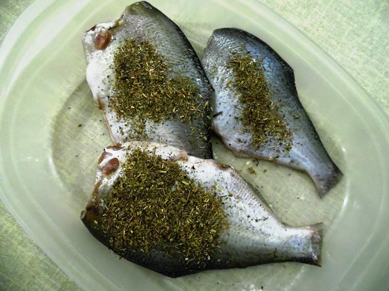 Жареная речная рыба-03