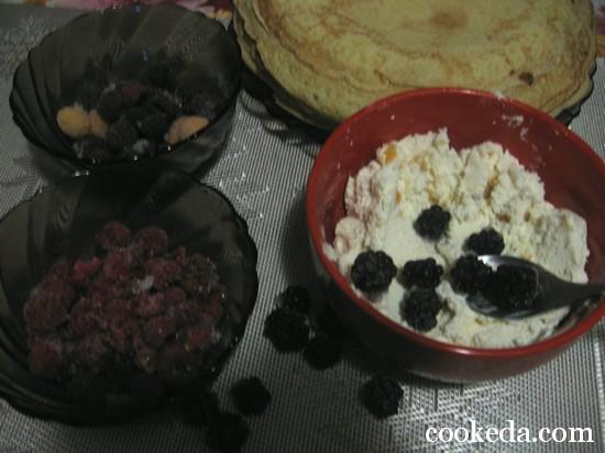 блинные роллы с ягодами фото-14
