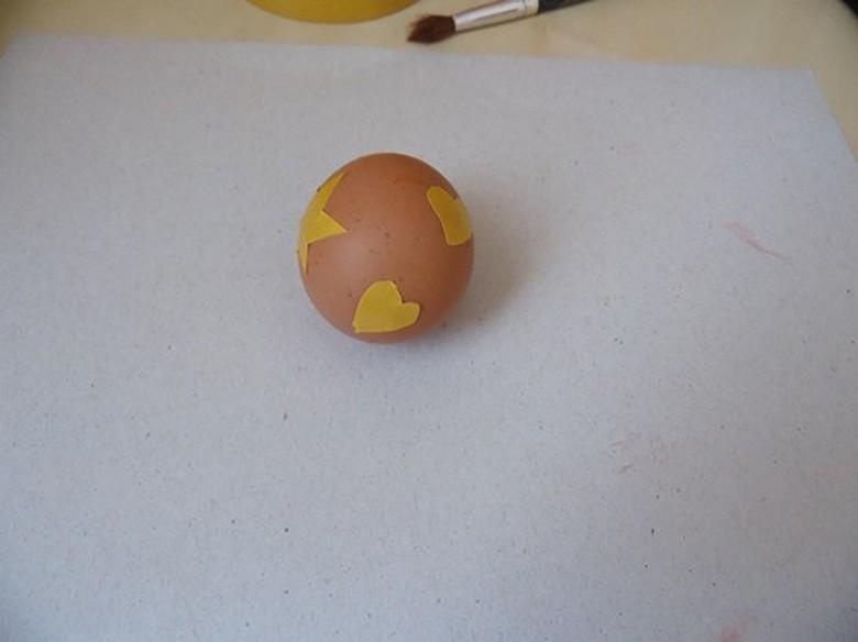 Как разукрасить яйца на Пасху фото-04