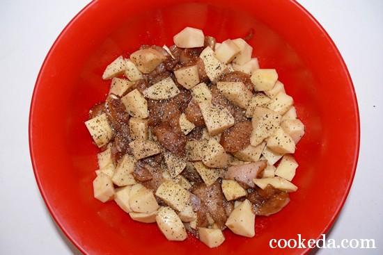 Мясо картофелем горшочках фото-05