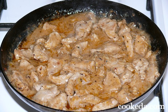 Тушеная свинина с подливкой из сметаны рецепт пошагово