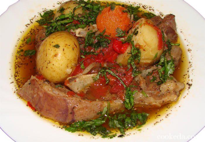 Блюдо из баранины с овощами называется