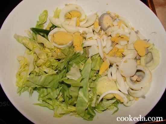 Салат молодой капусты луком яйцом фото-06