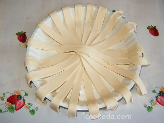 Слоеный пирог с клубникой фото-03