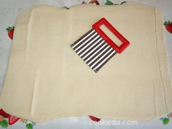 Слоеный пирог с клубникой фото-07