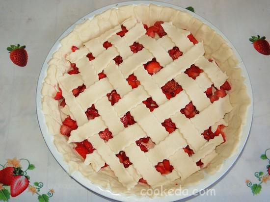 Слоеный пирог с клубникой фото-09
