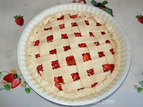 Слоеный пирог с клубникой фото-10