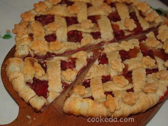 Слоеный пирог с клубникой фото-19