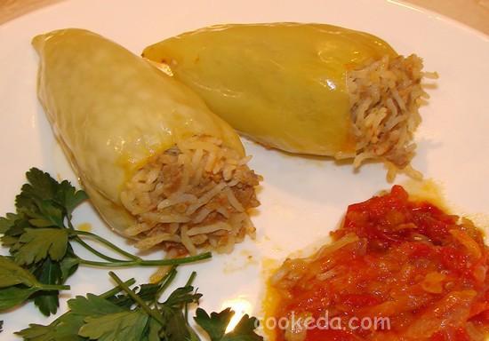 Болгарский перец с фаршем и рисом-15