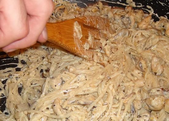 Паста с мидиями в сливочном соусе-11