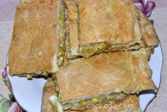 Несладкий пирог с начинкой из капусты и яиц