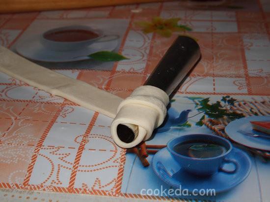 Слоеные трубочки с заварным кремом-04