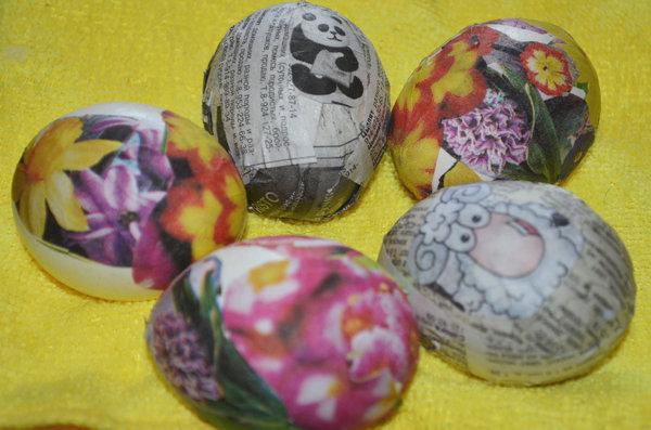 Пасхальные яйца в технике декупаж-09