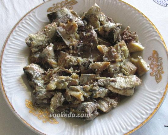 Пирог на кефире с рыбой и рисом-04