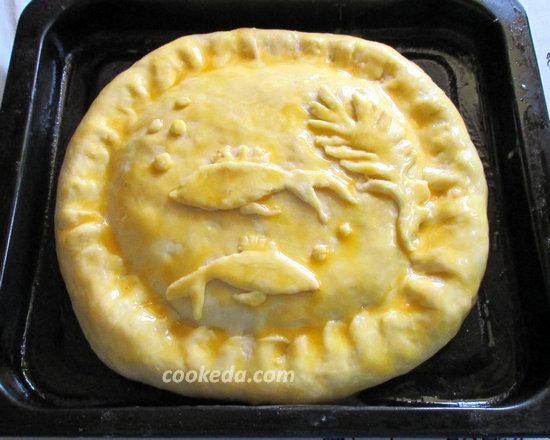Пирог на кефире с рыбой и рисом-19
