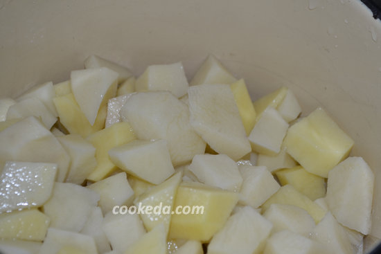 Тушеный картофель с куриным мясом-01