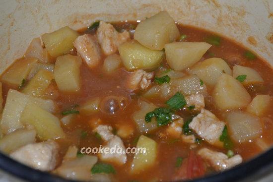 Тушеный картофель с куриным мясом-13