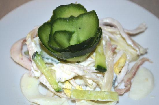 Вкусный салат из кальмаров-08