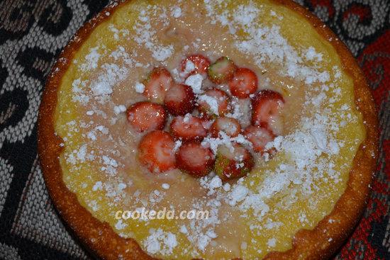 Творожный пирог с клубникой-16