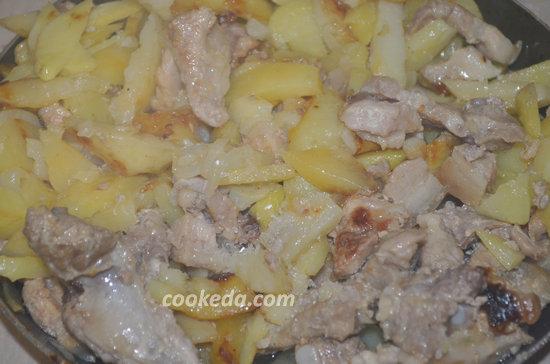 Жареная картошка с грудинкой-09