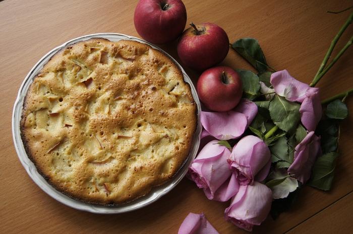 Шарлотка с яблоками - диетические рецепты