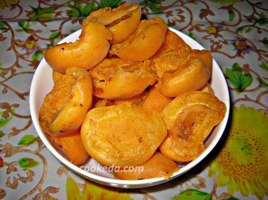 Наливной пирог с абрикосами-08
