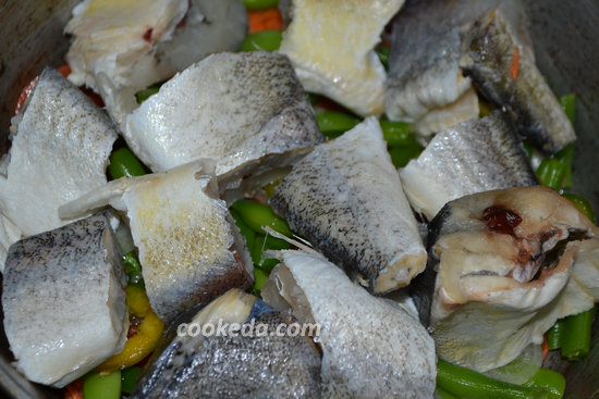 Рыба с овощами в духовке-05