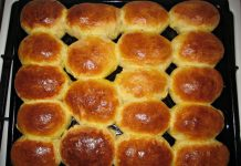Духовые пирожки с творогом