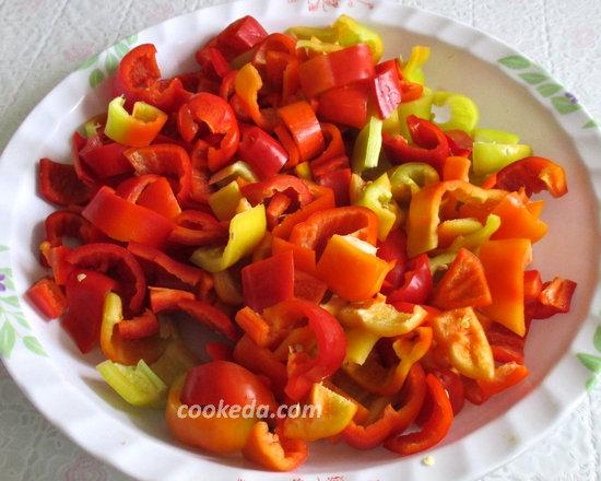 лечо из болгарского перца с помидорами на зиму-11