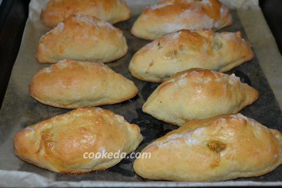 Пирожки с капустой и яйцом-16