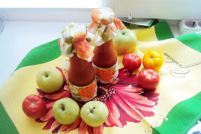 Кетчуп на зиму из помидор с яблоками