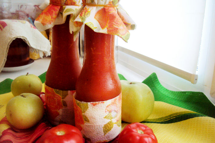 Кетчуп из помидор с яблоками