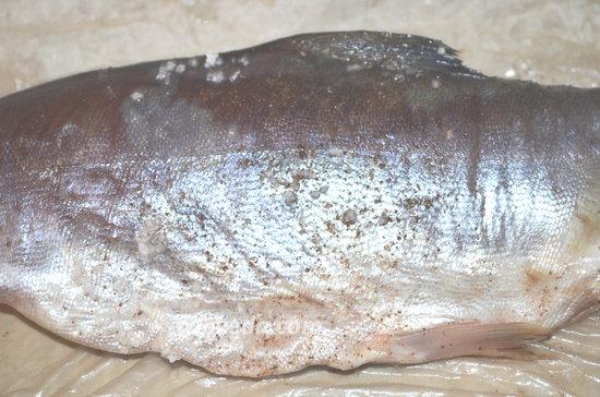 Как засолить красную рыбу-08