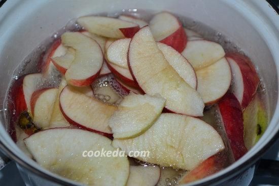 Розочки из теста с яблоками-11