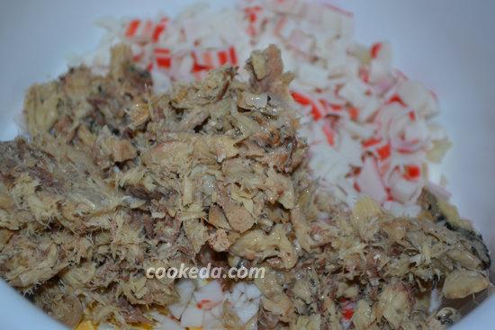 Салат из консервированной скумбрии-05