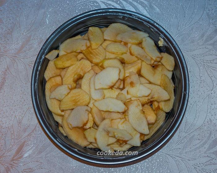 Яблочный пирог шарлотка - очистить яблоки