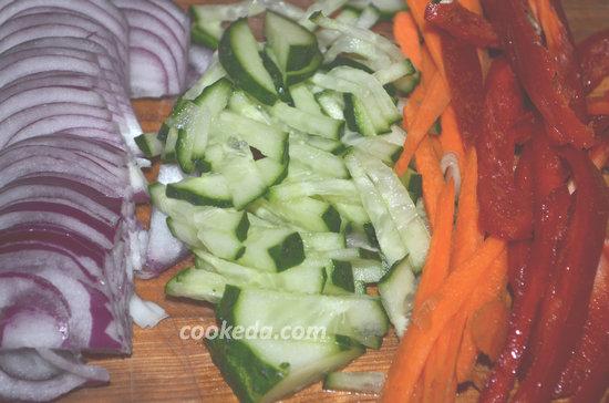 овощной салат с фунчозой-04