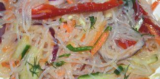 овощной салат с фунчозой