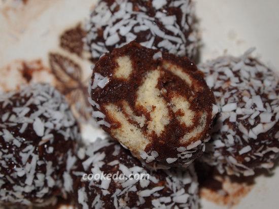 конфеты из бисквита-17