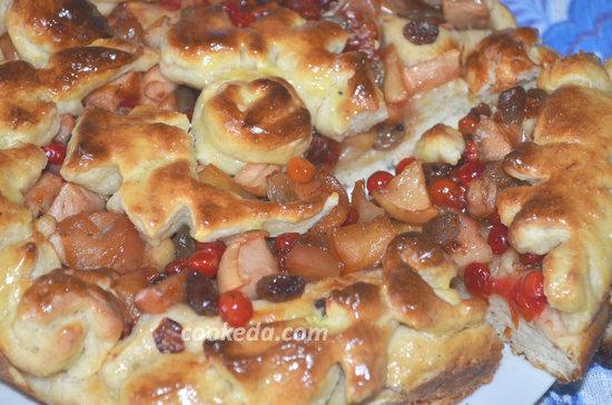 пирог с яблоками и калиной-13