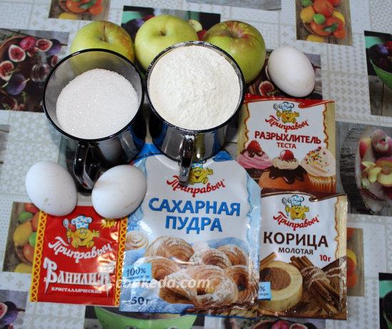 шарлотка с яблоками и корицей-01