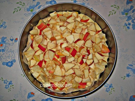 пирог с яблоками в духовке-14