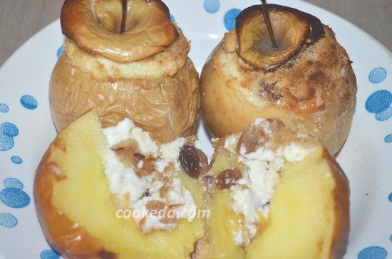 Как испечь яблоки с изюмом-09