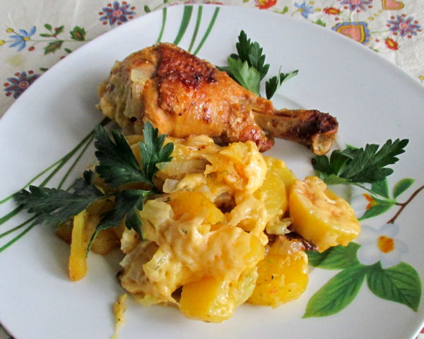 курица с майонезом с картошкой в мультиварке