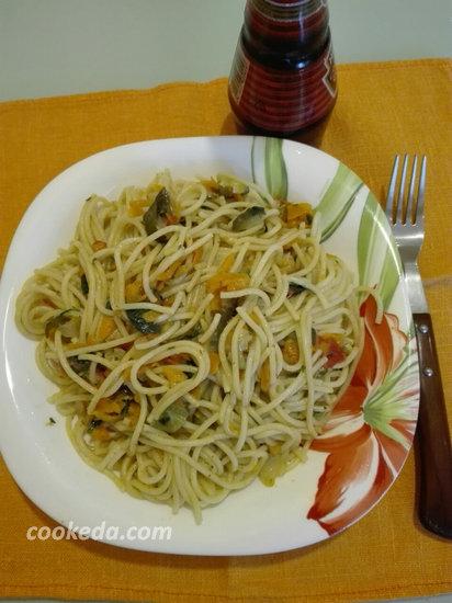 спагетти с овощами и соевым соусом-09