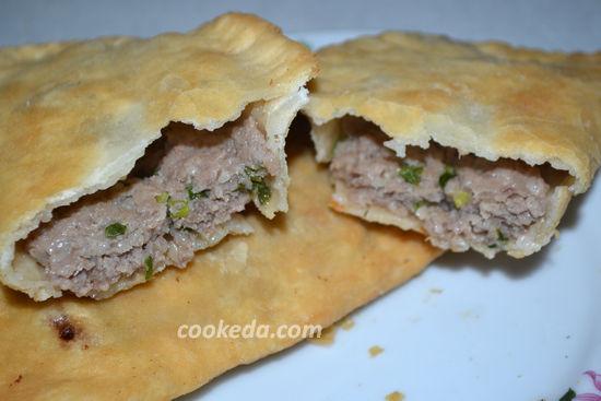 Чебуреки с мясом на сковороде