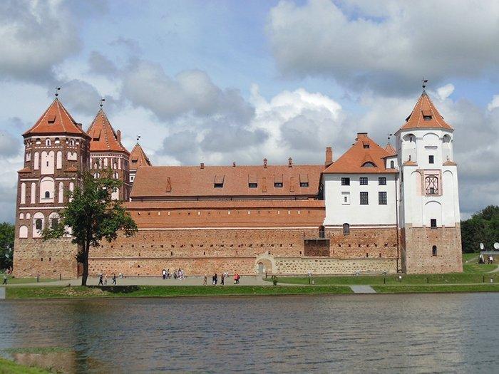 Мирский замок, Минск