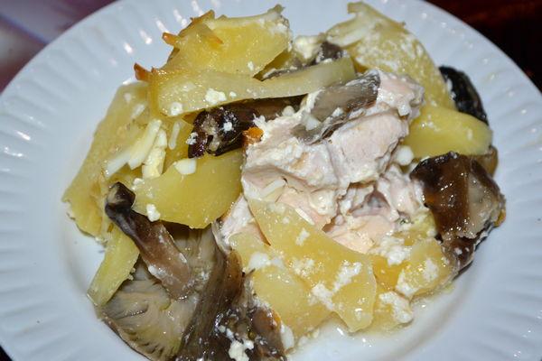 Запеканка из картофеля с курицей и грибами - рецепт