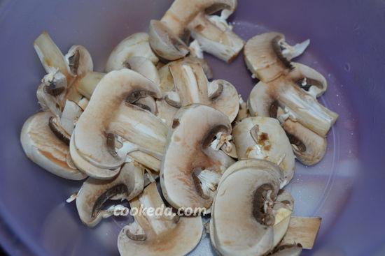 Мясо по-французски с грибами и сыром в духовке