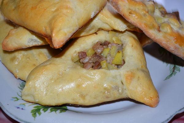 открытые пирожки с картошкой и мясом - пошаговый рецепт